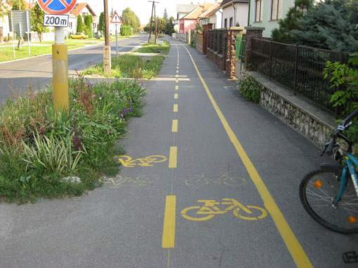 Quality control Main objective: improve the quality of cross-border cycling paths, to this end the common formulation of criteria Main quality criteria direct links, tracing, quality of road, traffic